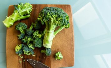 How to steam broccoli?